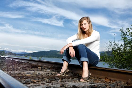 Daranie's senior portraits near Priest River Idaho