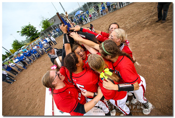 Homedale celebrates state championship