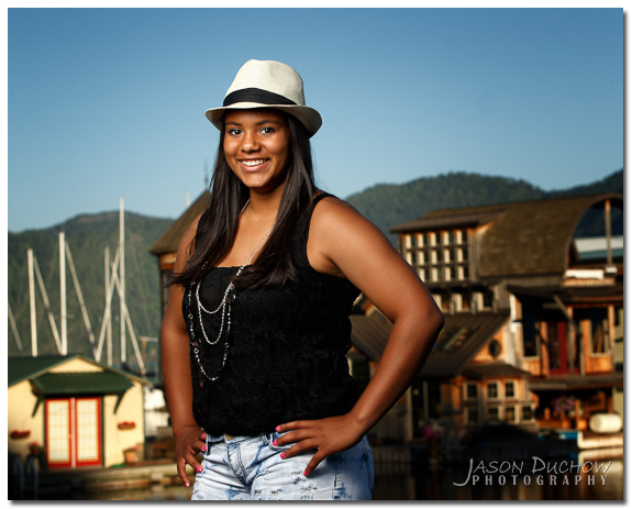 senior portrait at the hope marina